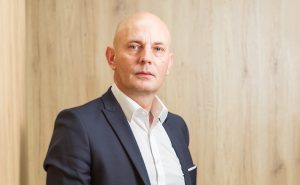 Björn Jensen has been the managing director of the consulting and engineering service provider macom GmbH for over 14 years. Together with Thomas Salzer he now contributes his industry-experience to a the AV management consultancy as well.